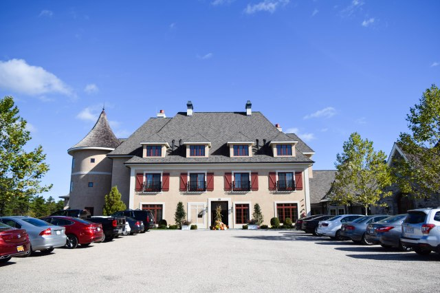 weekend-getaway-at-mirbeau-inn-spa-plymouth-postcards-from-new-england-new-england-fall-getaways-new-england-spa-trip-boston-chic-party-21